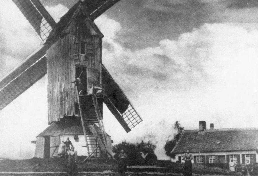 De Kayaerdmolen in 1910.
